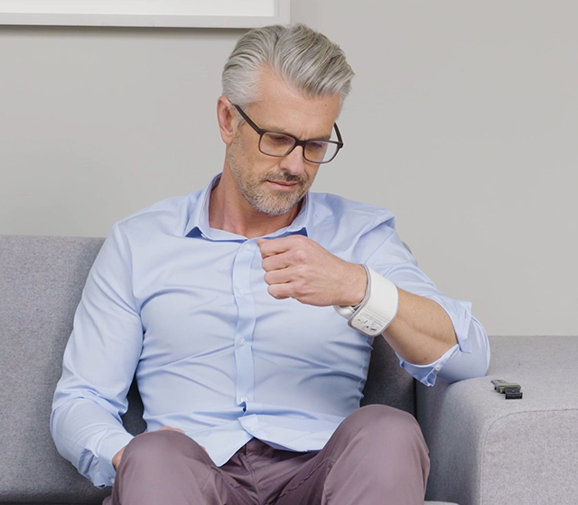 La mesure commence automatiquement. Pendant la prise de mesure, ne bougez pas votre main ou vos doigts et ne parlez pas.